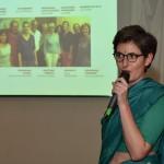 Agathe Lemarchand, présidente de l'association, présente l'action de Calcutta de la rue à l'école